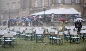 heavy-rain-royal-garden-p-001
